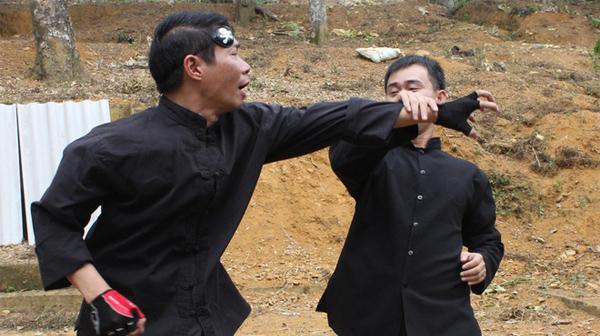 Công Lý lần đầu diễn võ trong phim hài Tết